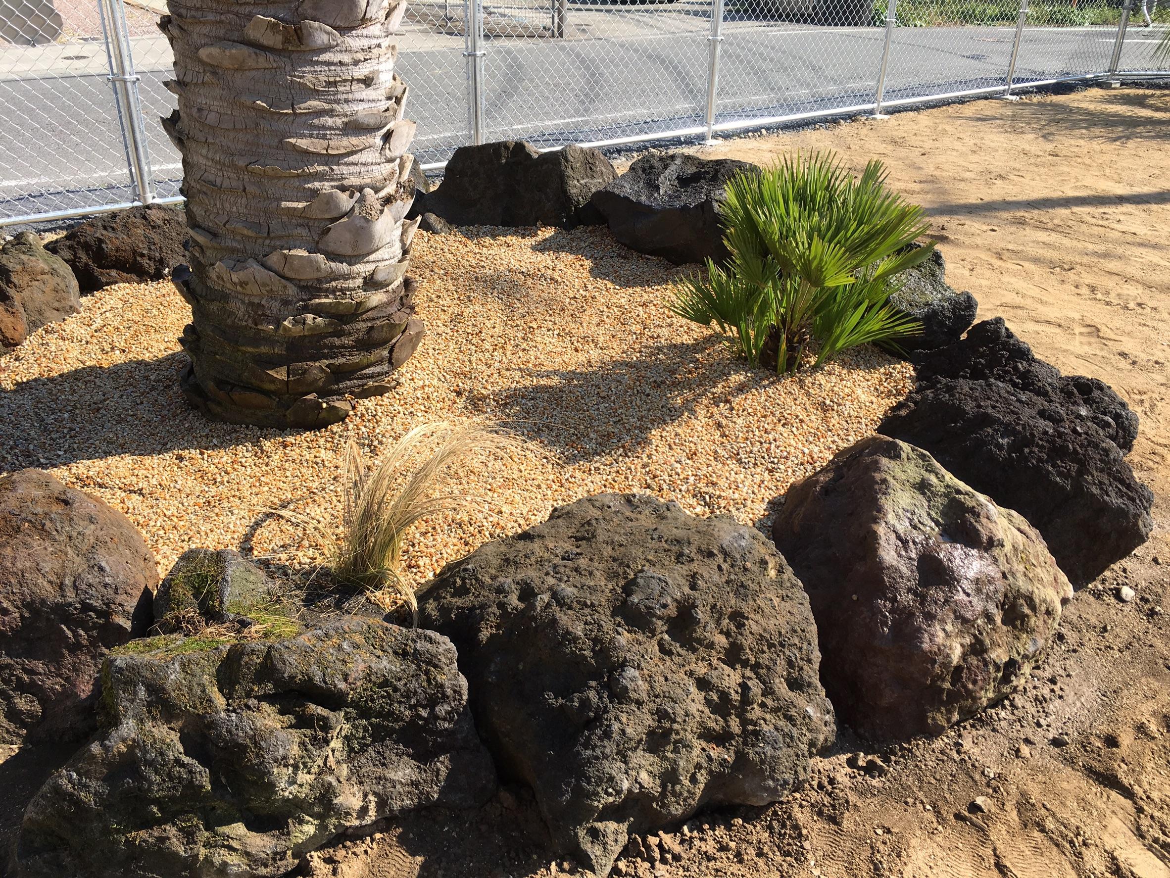 深谷市内 溶岩石組